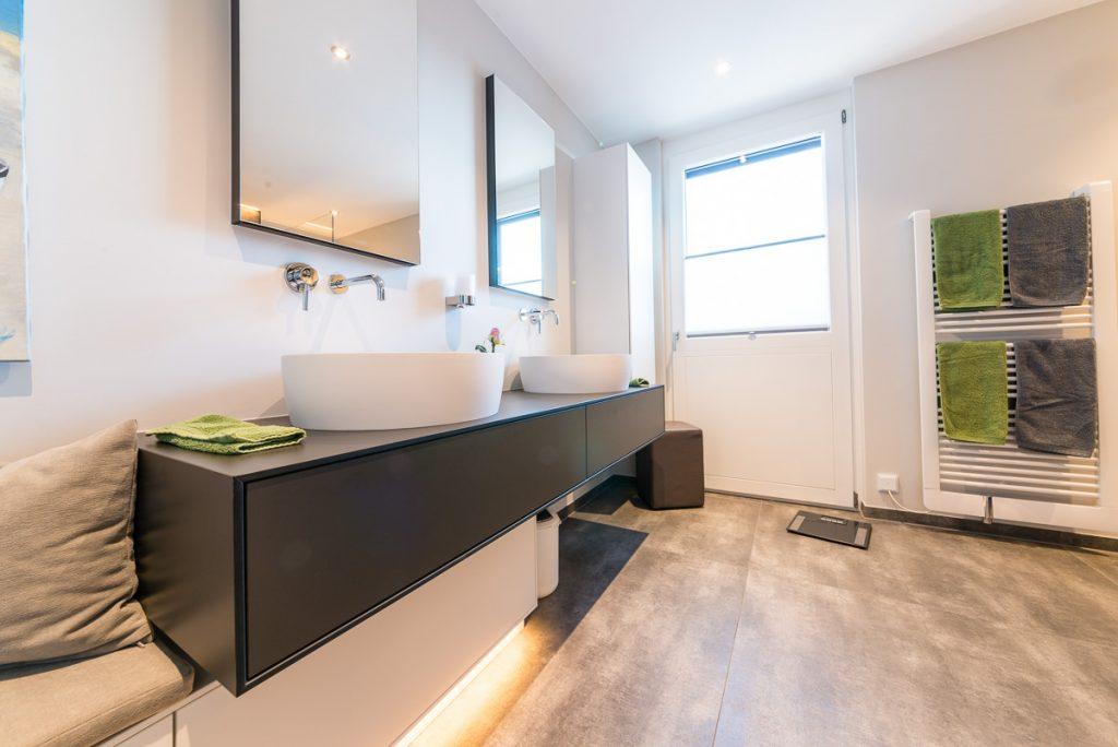 bad modern anthrazit fvg fliesen. Black Bedroom Furniture Sets. Home Design Ideas