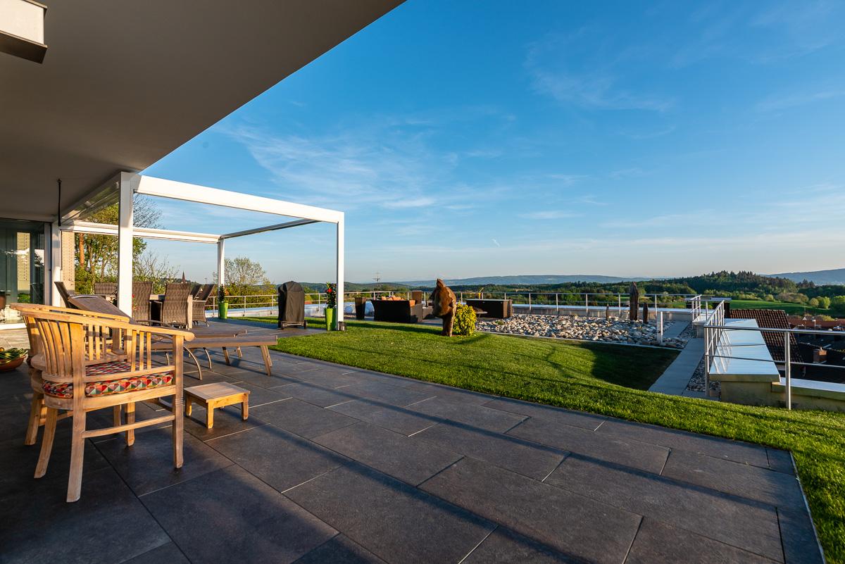 Lounge und Sitzbereich außen - FVG - Konstanz
