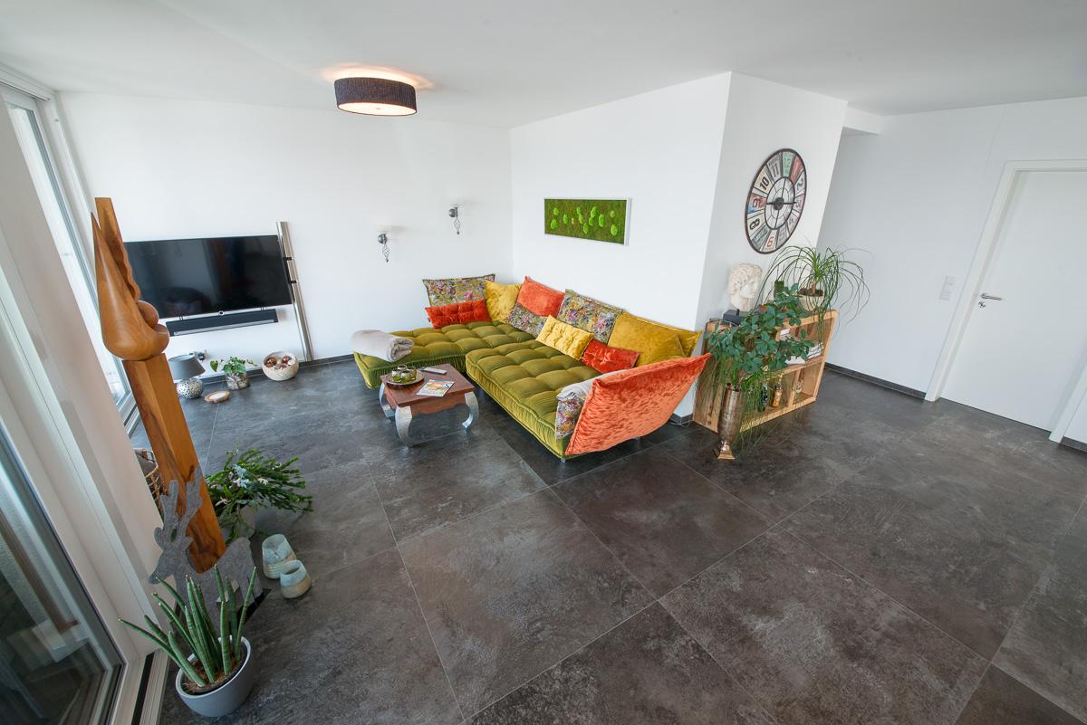 Neubau Wohnzimmer modern - FVG Fliesen