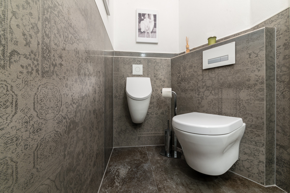 Gäste WC Volldekor-Fliesen - FVG Fliesen
